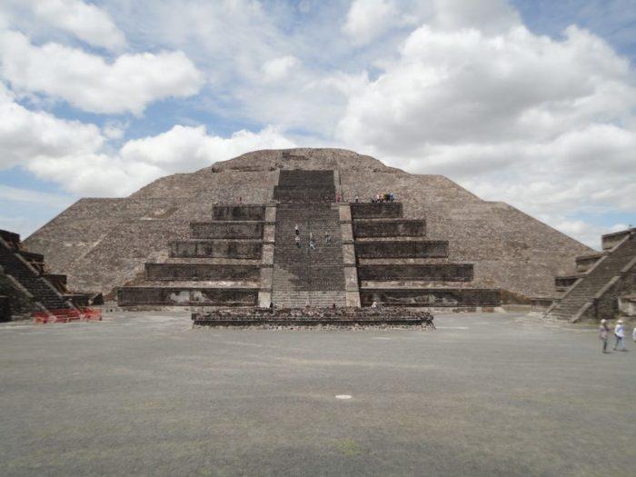 テオティワカン 太陽のピラミッド