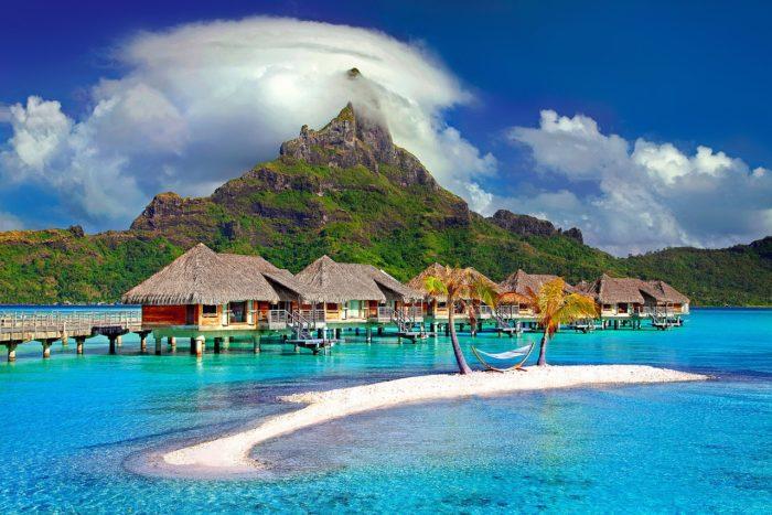 ボードゲームのボラボラのヘッダ画像のボラボラ島写真